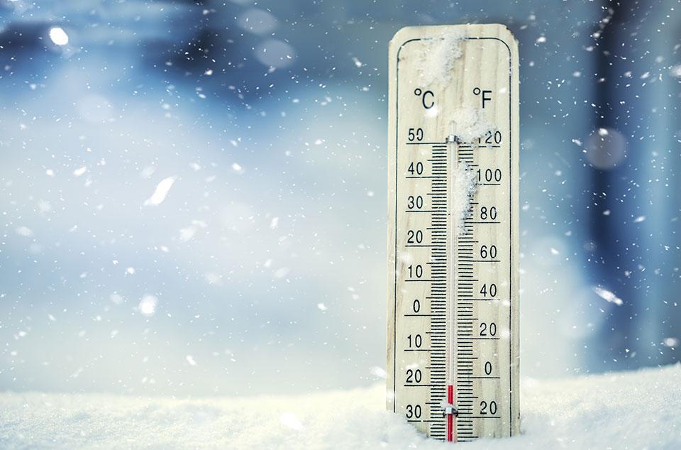 Мороз викликає підвищену конденсацію вологи та розряджає батарейки