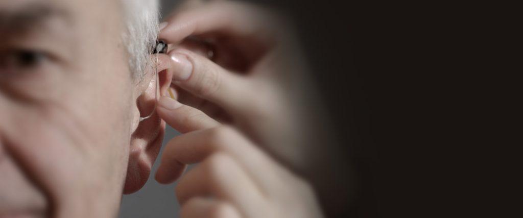 Первые дни использования слуховых аппаратов Возьмите хороший старт в стремлении к возможности лучше слышать